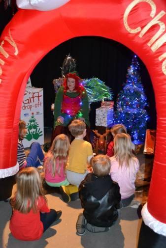 Christmas Theme Storytelling_zpsyc8hb2bx